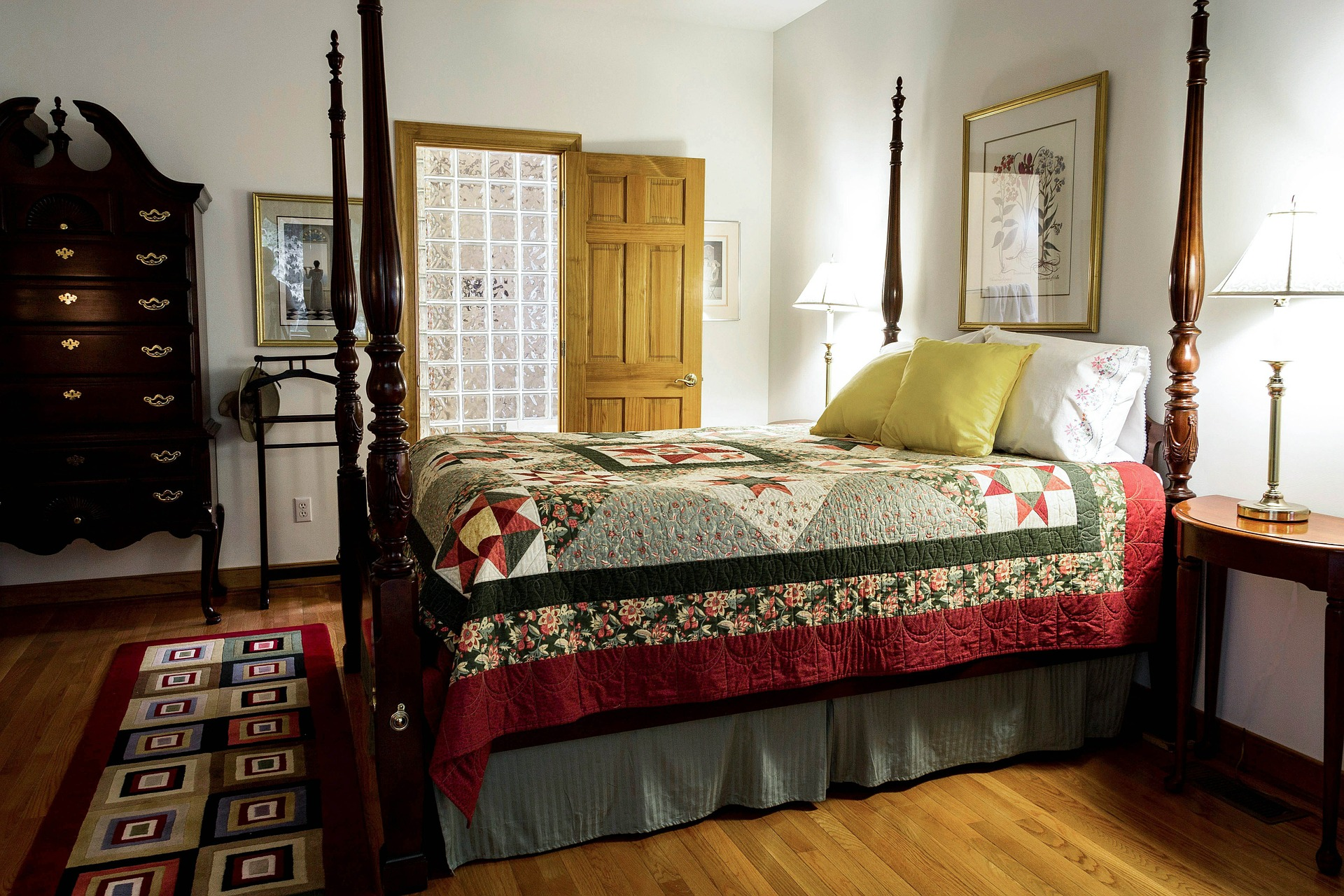 bedroom-558987_1920